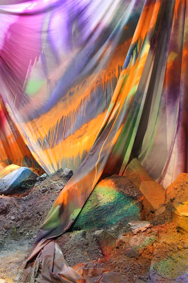 Катаріна Гроссе, Фрагмент інсталяції, 2015. Усі майбуття світу. Арсенале.